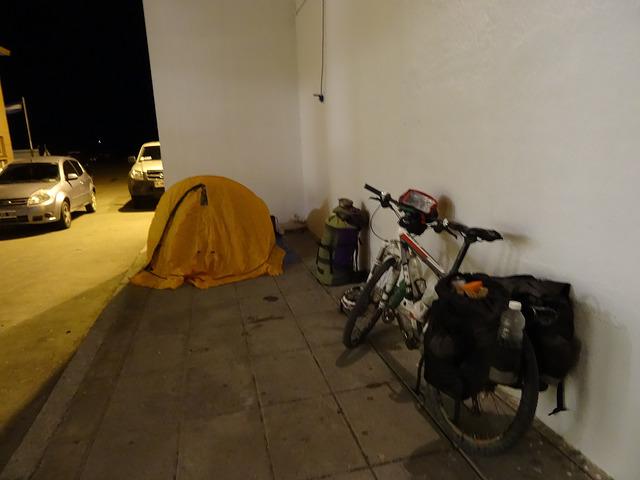 Bicicleta y carpa de Andrés